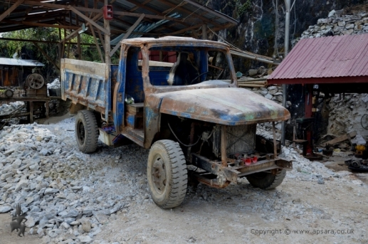 An old truck at Bawpadan, Mogok